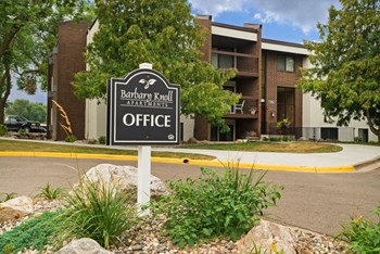 1596 Millpond Ct 1-2 Beds Apartment for Rent Photo Gallery 1