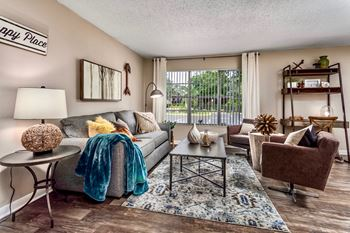 4746 S. Rio Grande Ave. 1-3 Beds Apartment for Rent Photo Gallery 1