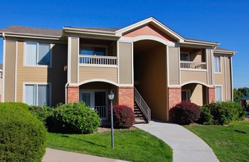 3290 E. County Line Road 1 Bed Apartment for Rent Photo Gallery 1