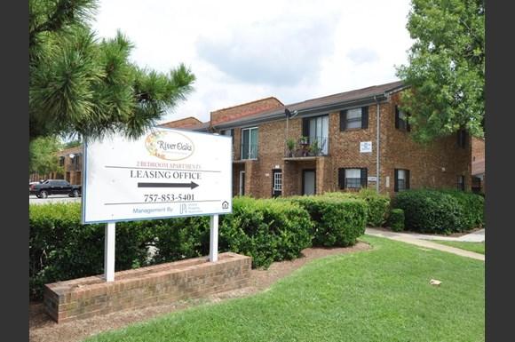 River Oaks Apartments, 1464 Gabriel Drive, Norfolk, VA - RENTCafé
