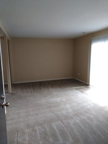 4231 WALNUT ST 1-2 Beds Apartment for Rent Photo Gallery 1
