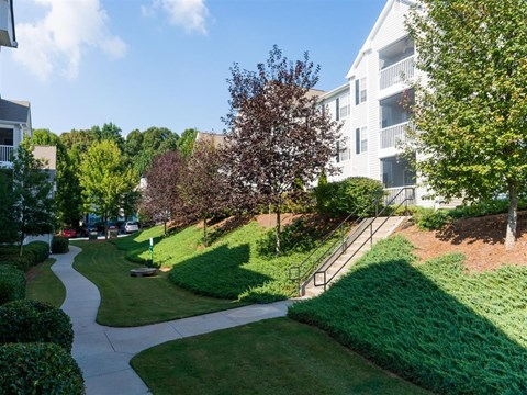 Harbor Creek Apartments Canton landscaped grounds