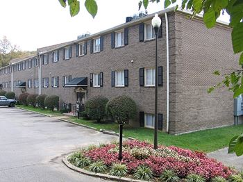 518 Iroquois Garden Drive 1-2 Beds Apartment for Rent Photo Gallery 1