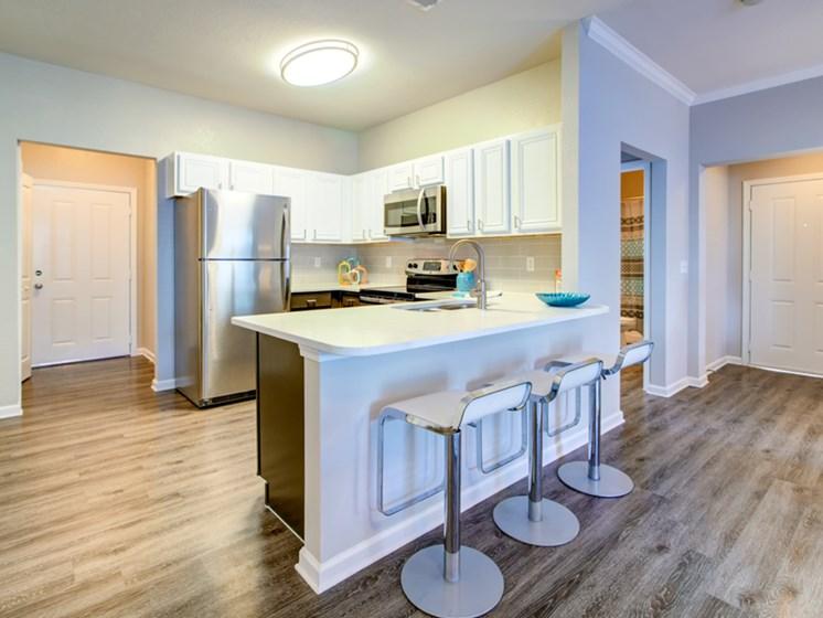 Kitchen with breakfast bar