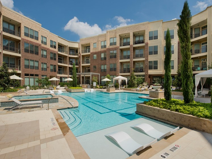 Apartments in Katy with a pool