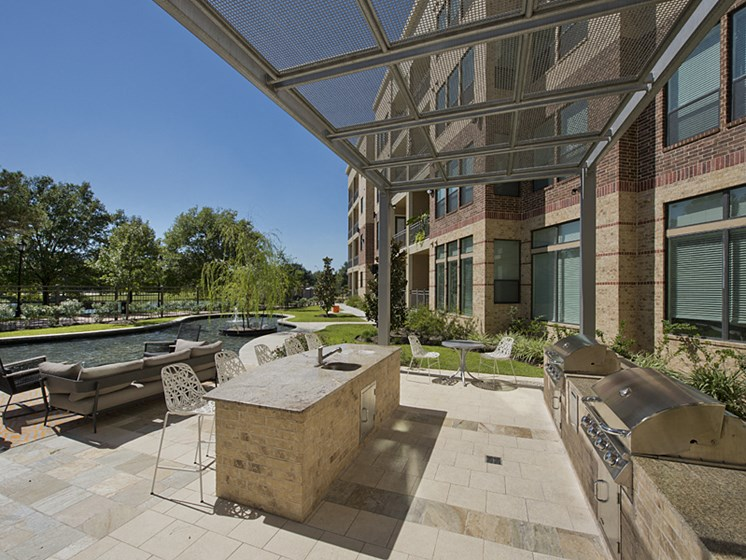 grilling and outdoor lounge Apartments in Katy