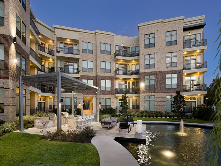 outdoor lounge apartments in katy