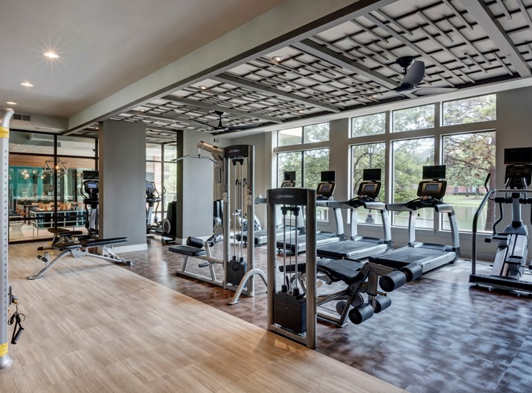 workout room apartments in katy