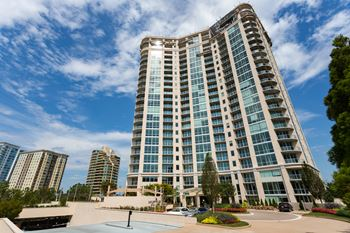 1000 Park Avenue NE 1-3 Beds Apartment for Rent Photo Gallery 1
