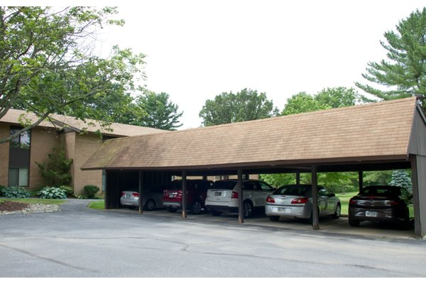 bank of carports