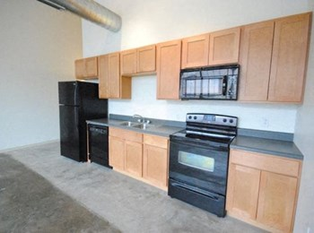 1818 Washington Ave 1-2 Beds Loft for Rent Photo Gallery 1