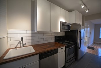 2804 S Compton 1 Bed Apartment for Rent Photo Gallery 1