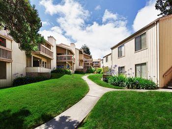 300 Glenwood Circle Studio 2 Beds Apartment For Rent