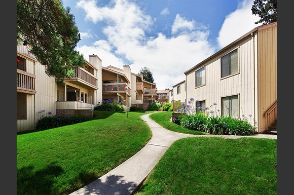 footprints on the bay apartments 300 glenwood circle monterey ca