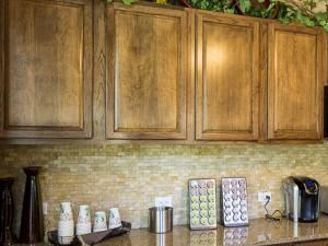 Bella Ruscello Luxury Apartment Homes Duncanville clubhouse kitchen