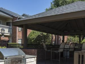 Crestmont Reserve Apartments Dallas Grilling Area