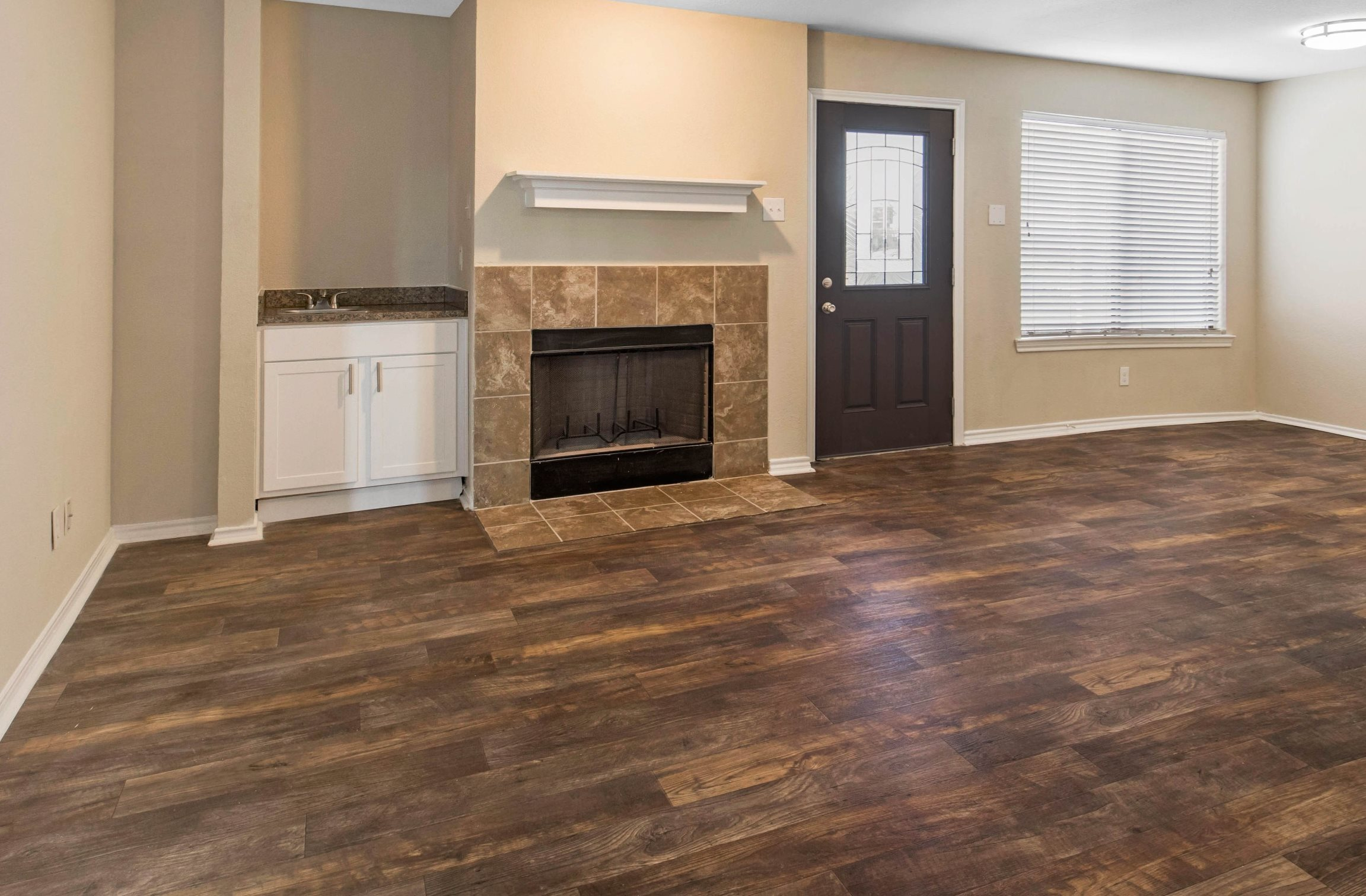 Lake Village West Apartments | Apartments in Garland, TX