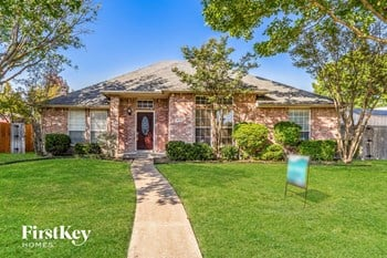 8713 Briarcrest Dr 4 Beds House for Rent Photo Gallery 1