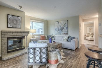 21620 14Th Avenue S 2 Beds Apartment for Rent Photo Gallery 1