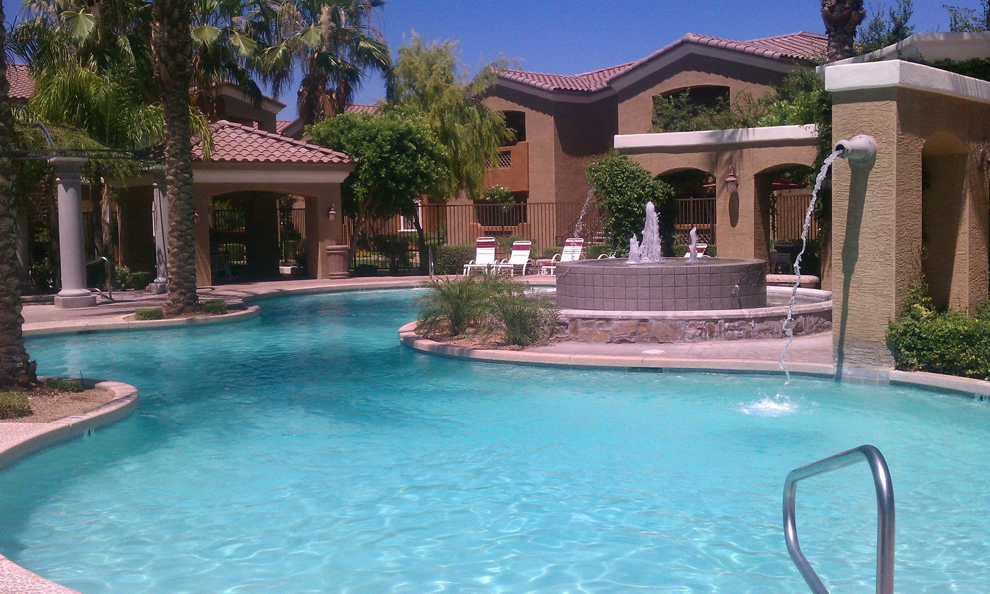 Pool & pool fountain at La Borgata Apartments in Surprise, AZ