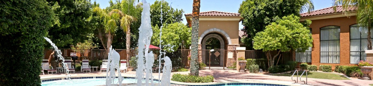 Pool and pool fountain at La Borgata Apartments in Surprise, AZ