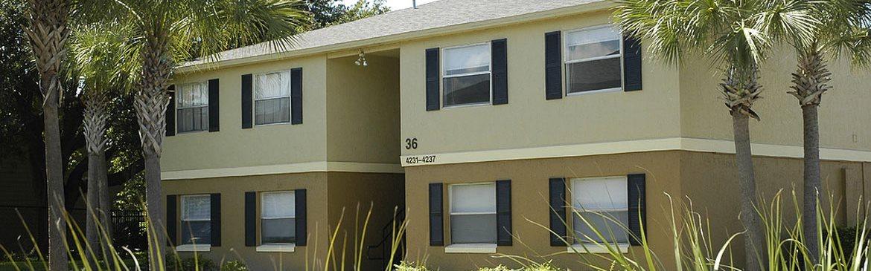 exterior apartment building_Dunwoodie Place Orlando, FL