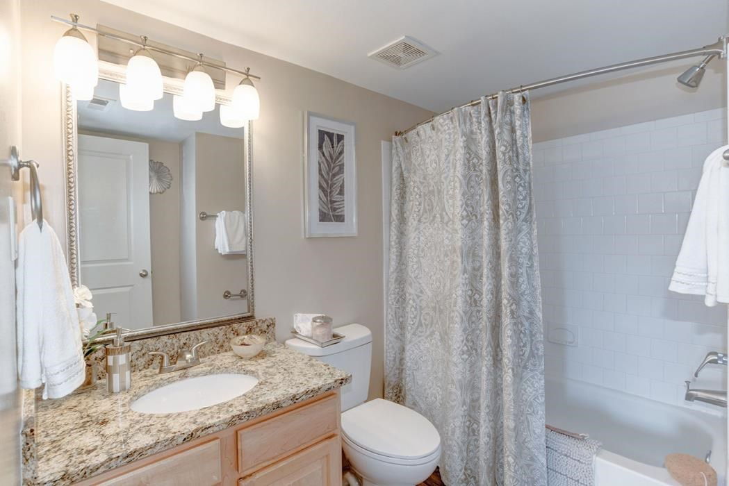 Apartments for Rent in Ellicott City -Ellicott Grove Bathroom