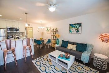 7045 N 7th Street Studio-2 Beds Apartment for Rent Photo Gallery 1