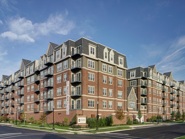 Resort Style Community at Courthouse Square Apartments, Wheaton, IL