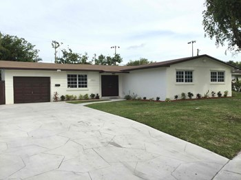 20021 SW 89 CT 3 Beds House for Rent Photo Gallery 1
