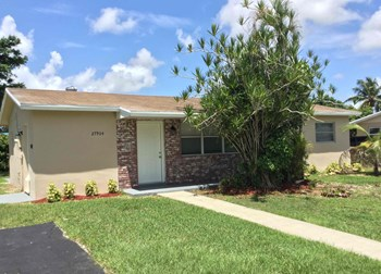 27904 SW 129 Place 3 Beds House for Rent Photo Gallery 1