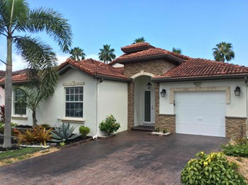 9231 SW 167 Court 3 Beds House for Rent Photo Gallery 1