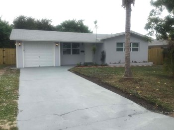 912 SW 2 Street 3 Beds House for Rent Photo Gallery 1