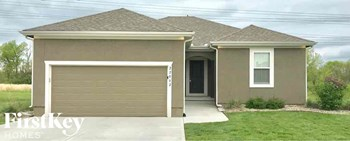 22002 Crystal 4 Beds House for Rent Photo Gallery 1
