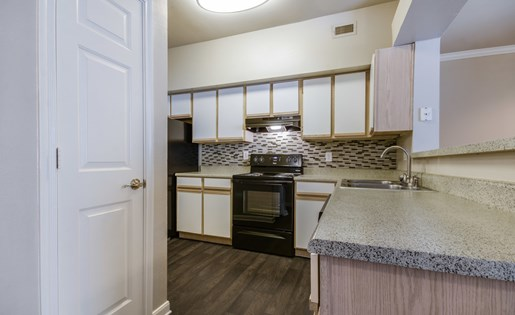 Mission Rockwall Apartments Rockwall Texas Designer Kitchen Backsplash