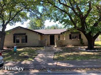 1221 Holt Ave 4 Beds House for Rent Photo Gallery 1