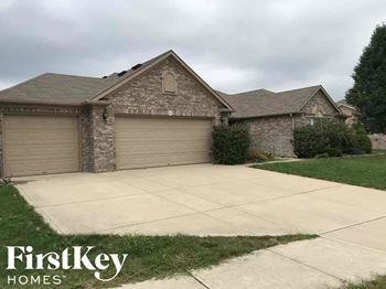 5696 W Port Dr 4 Beds House for Rent Photo Gallery 1