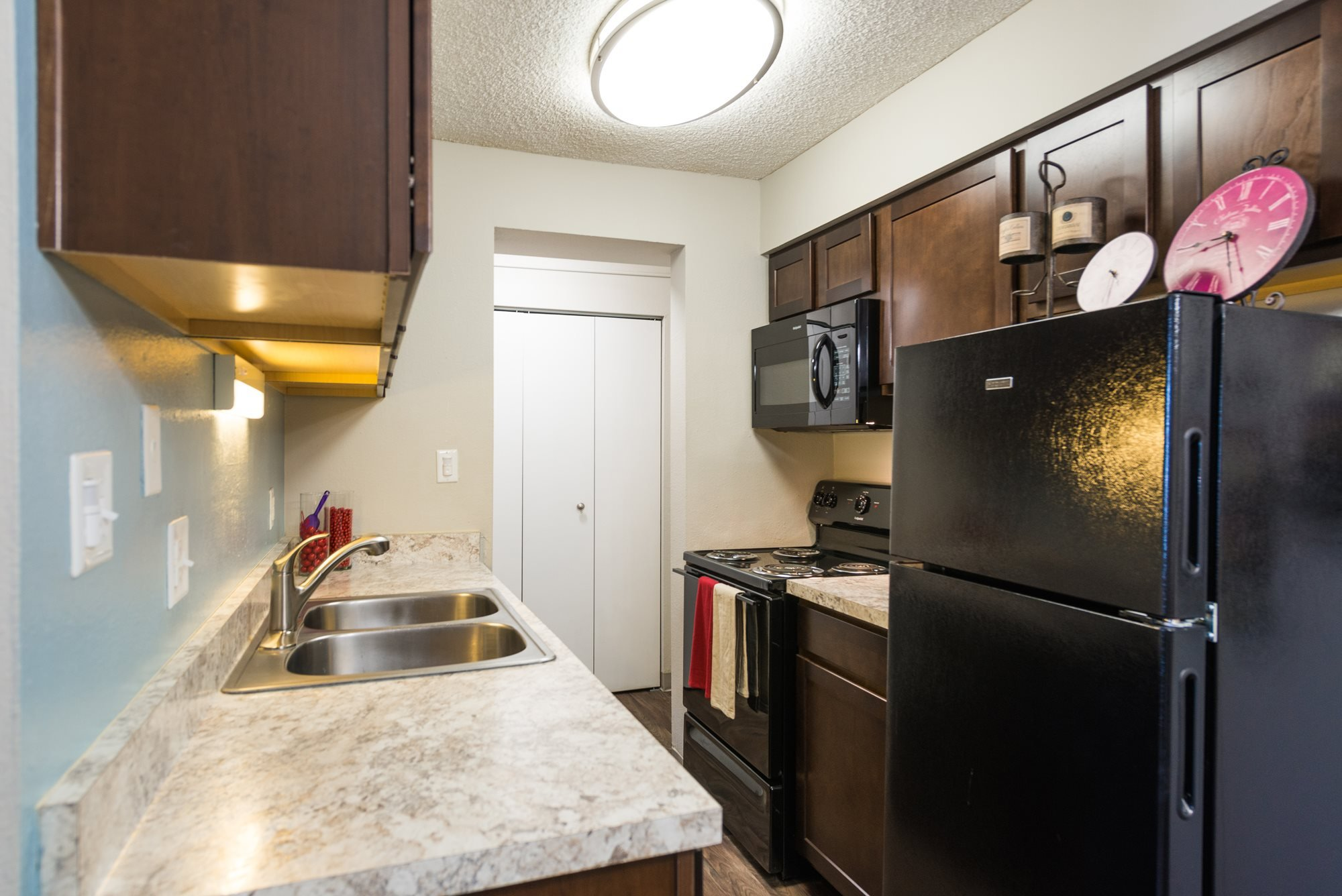 Kitchen at Park 88 Apartments in Thornton, CO