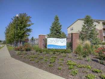 10215 Cape Cod Landing 1-2 Beds Apartment for Rent Photo Gallery 1