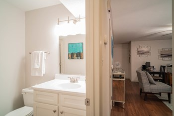 2600 Celanese Rd 2-3 Beds Apartment for Rent Photo Gallery 1