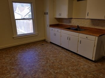 110 W. Vine St #A 3 Beds Apartment for Rent Photo Gallery 1