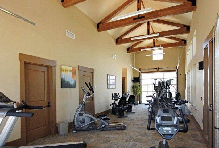 Richland, WA Badger Mountain Ranch Apartments movie fitness center