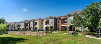 3000 Colonial Parkway 1-3 Beds Apartment for Rent Photo Gallery 1