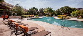 1800 Plateau Vista Boulevard 1-3 Beds Apartment for Rent Photo Gallery 1