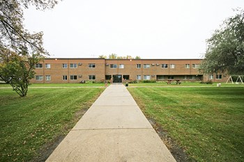 1208 7th St 1-2 Beds Apartment for Rent Photo Gallery 1