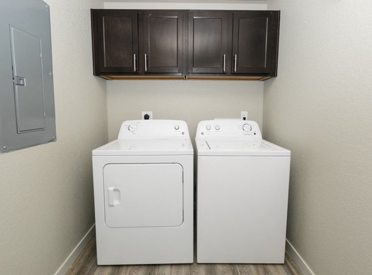 The Ridge At Thornton Apartments with washer and dryer | Apartments in Thornton, CO