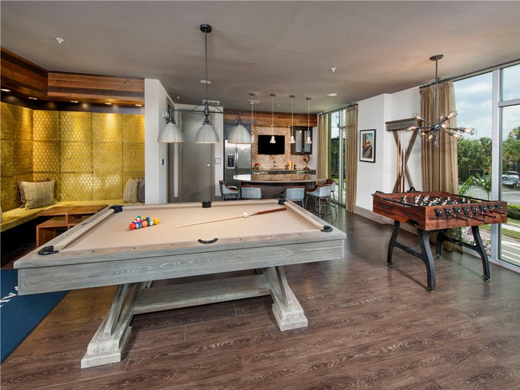 Social Clubroom with TVs and Billiards Lounge at Bleecker Hyde Park, Tampa, FL, 33606