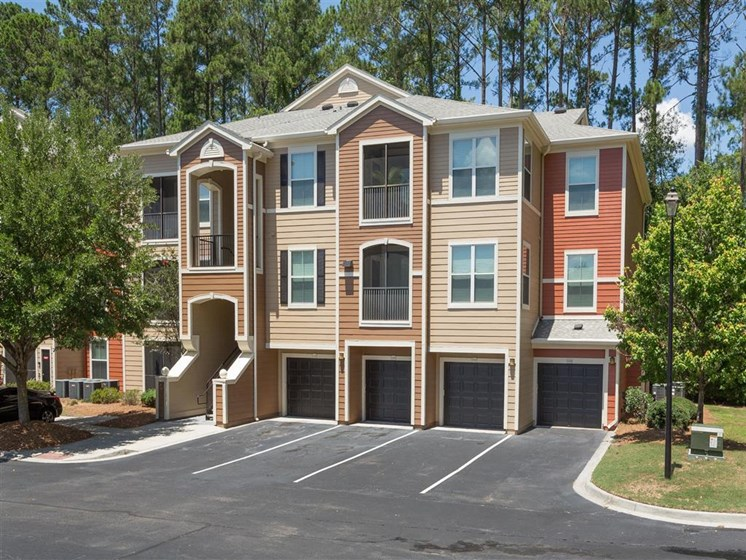 Private Single-Car Garages Available at Courtney Bend Apartment Homes, Hardeeville, SC 29927