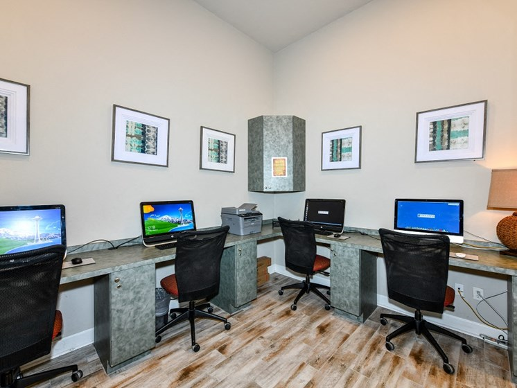 Cyber Cafe with Coffee Station and Work Areas for Residents at Courtney Isles Apartment Homes, Yulee, FL 32097