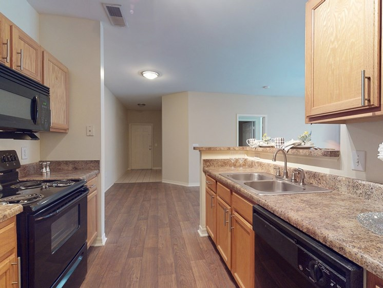 Kitchen with granite countertops at Parc 1346 in Chattanooga, TN 37421